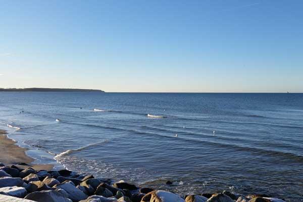Ostsee bei Warnemünde im Winter