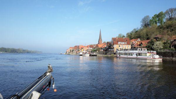 Lauenburg elbabwärts gesehen