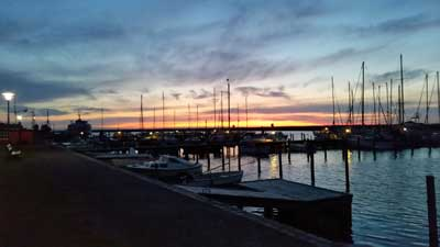 sonnenuntergang in Marstal im Hafen