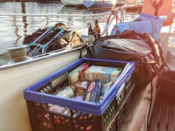 Gepäck und Proviant für den Segeltörn